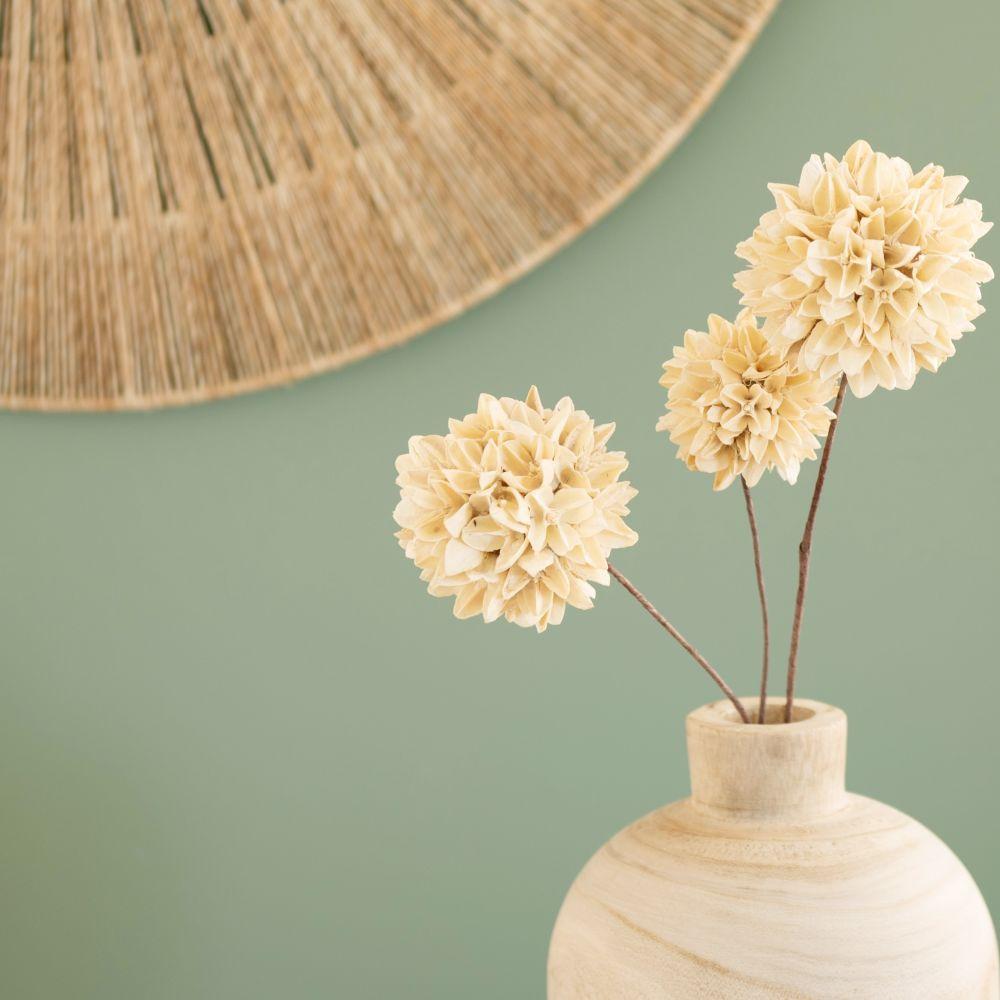 Bouquet de dahlias blancs séchés