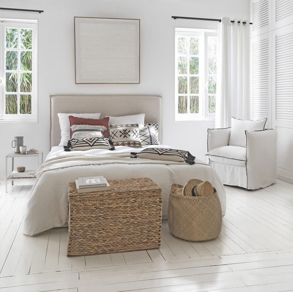 Bout de canapé en eucalyptus et métal blanc