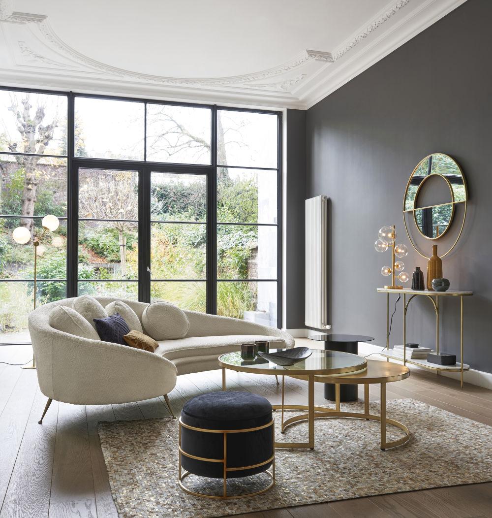 Bout de canapé en métal et verre noirs
