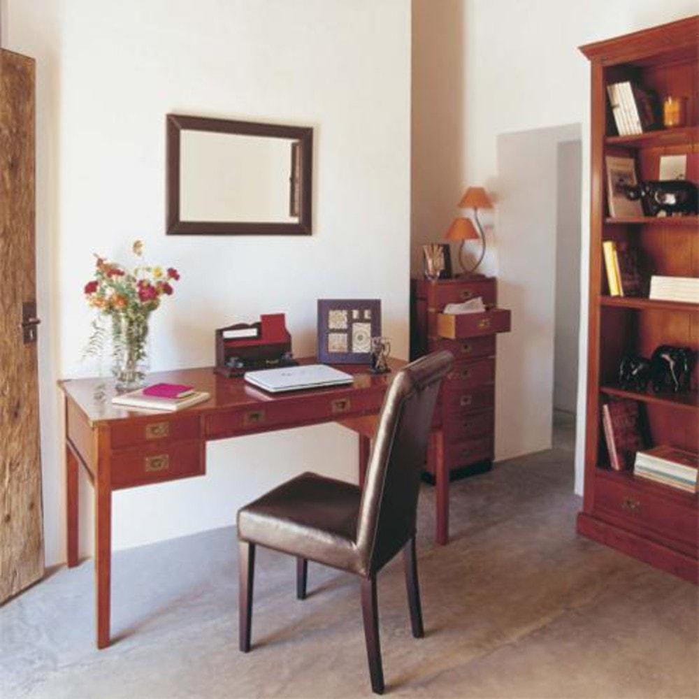 Chaise marron et hévéa