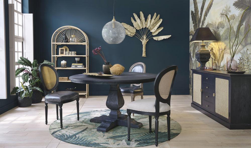 Chaise médaillon en cuir et chêne massif noire