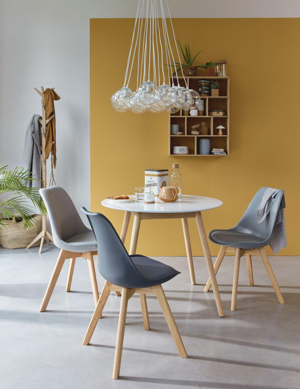 Chaise style scandinave gris acier et hévéa