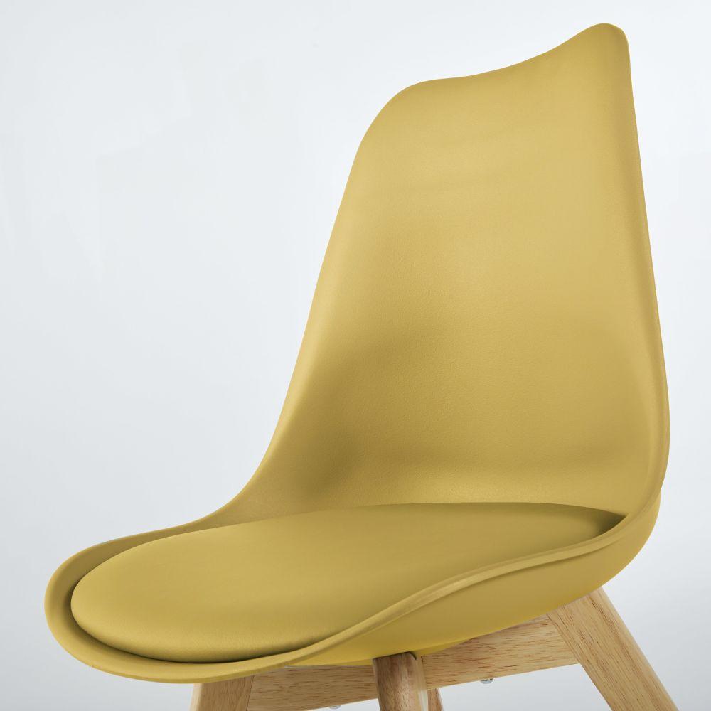 Chaise style scandinave jaune ocre et hévéa