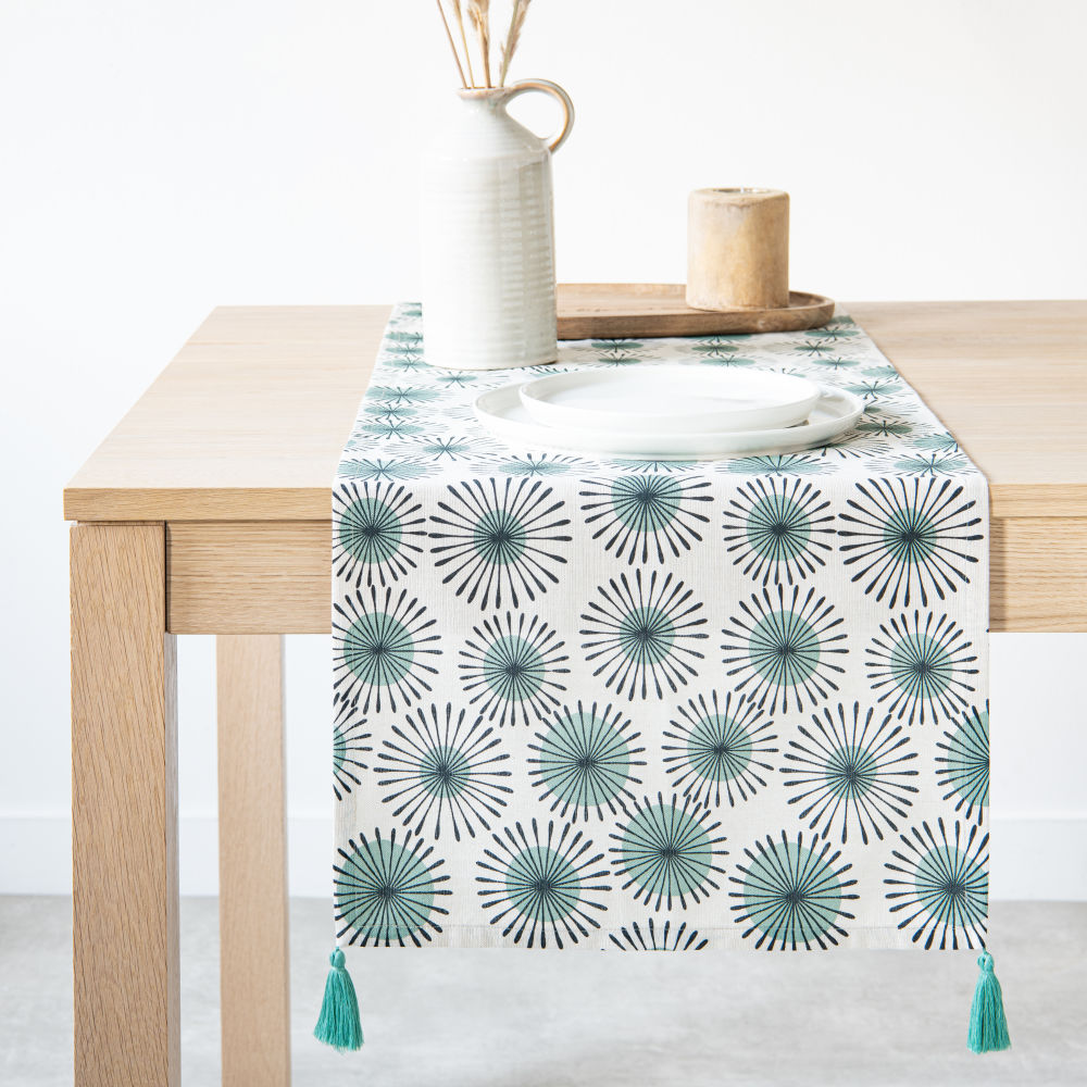 Chemin de table en coton à motifs et pompons 40x150