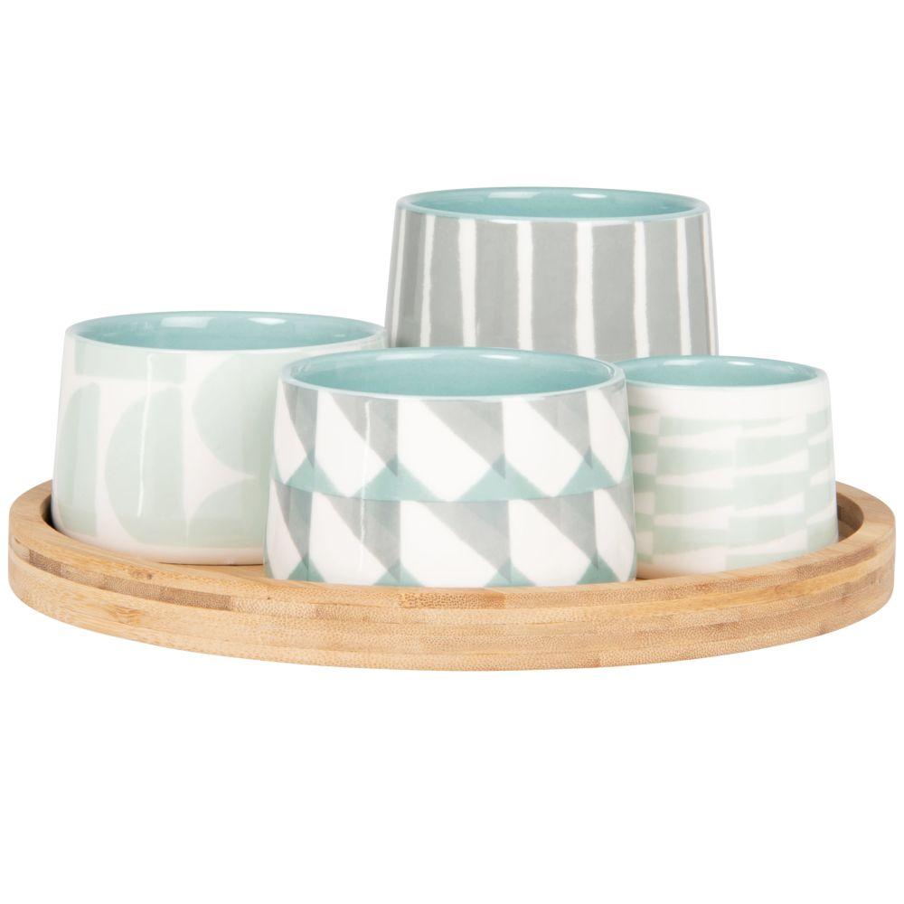 Coupelles apéritives en grès motifs graphiques bleus et gris (x4) et plateau en bambou
