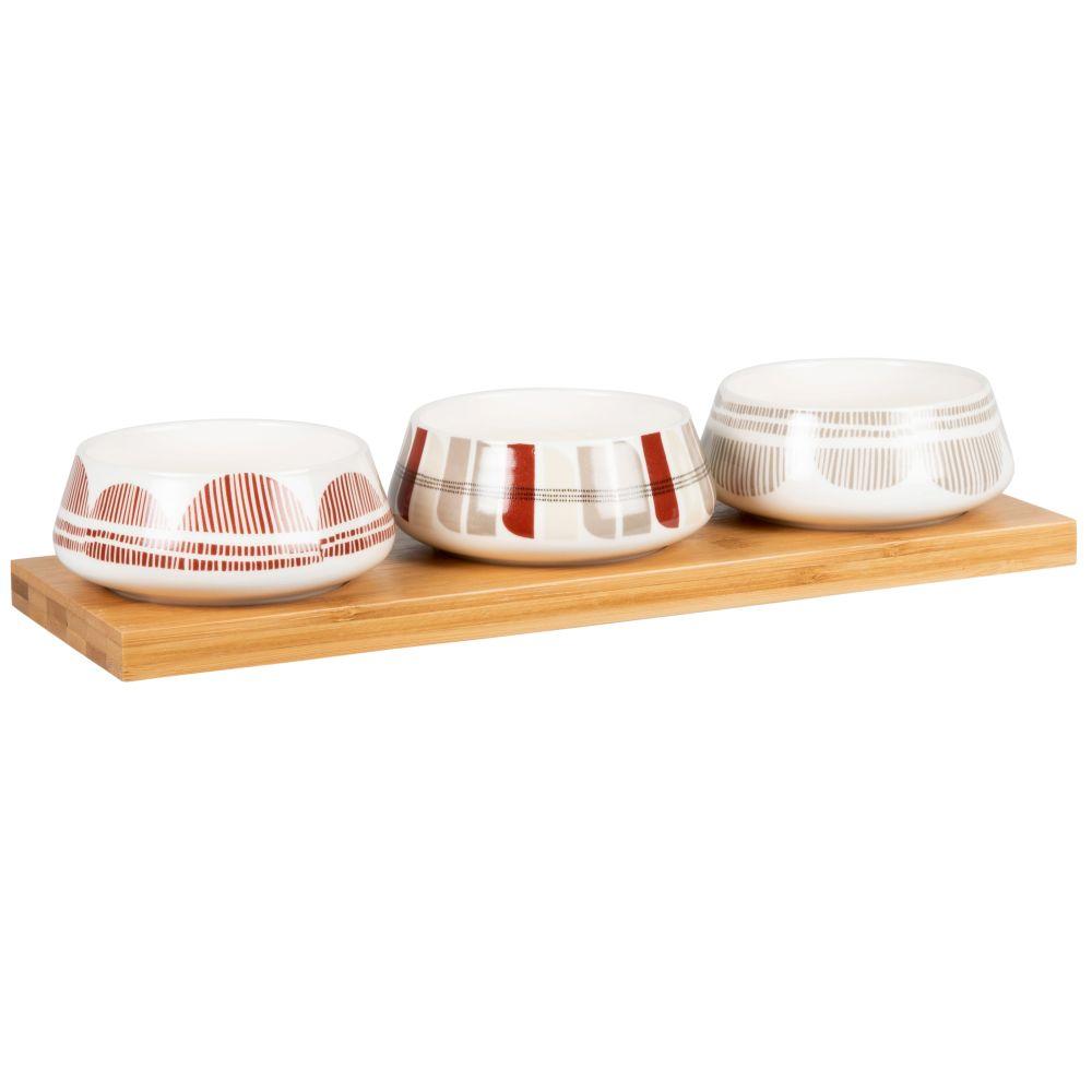 Coupelles apéritives en porcelaine blanche, rouge et grise et plateau en bambou