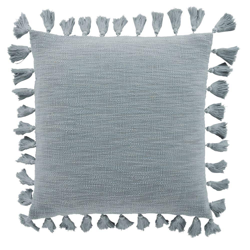 Coussin en coton bleu céladon avec pompons 50x50