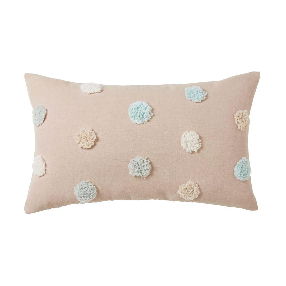 Coussin en coton rose à pompons multicolores 25x45