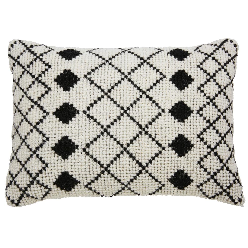 Coussin en laine et coton écru motifs noirs 40x60cm
