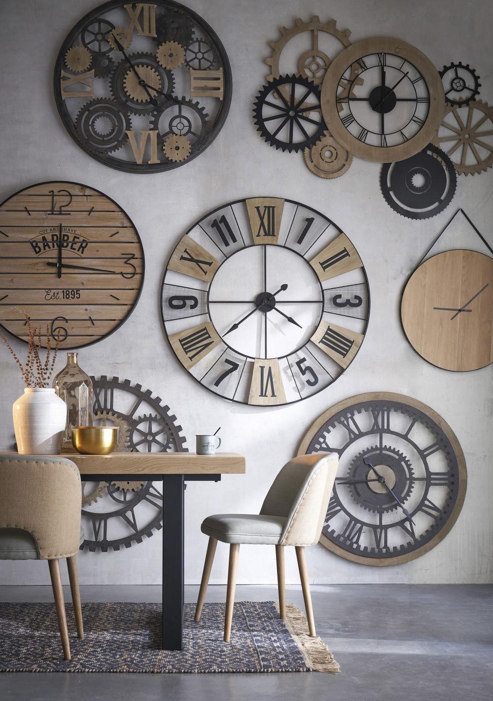 Horloge à suspendre en chêne D70