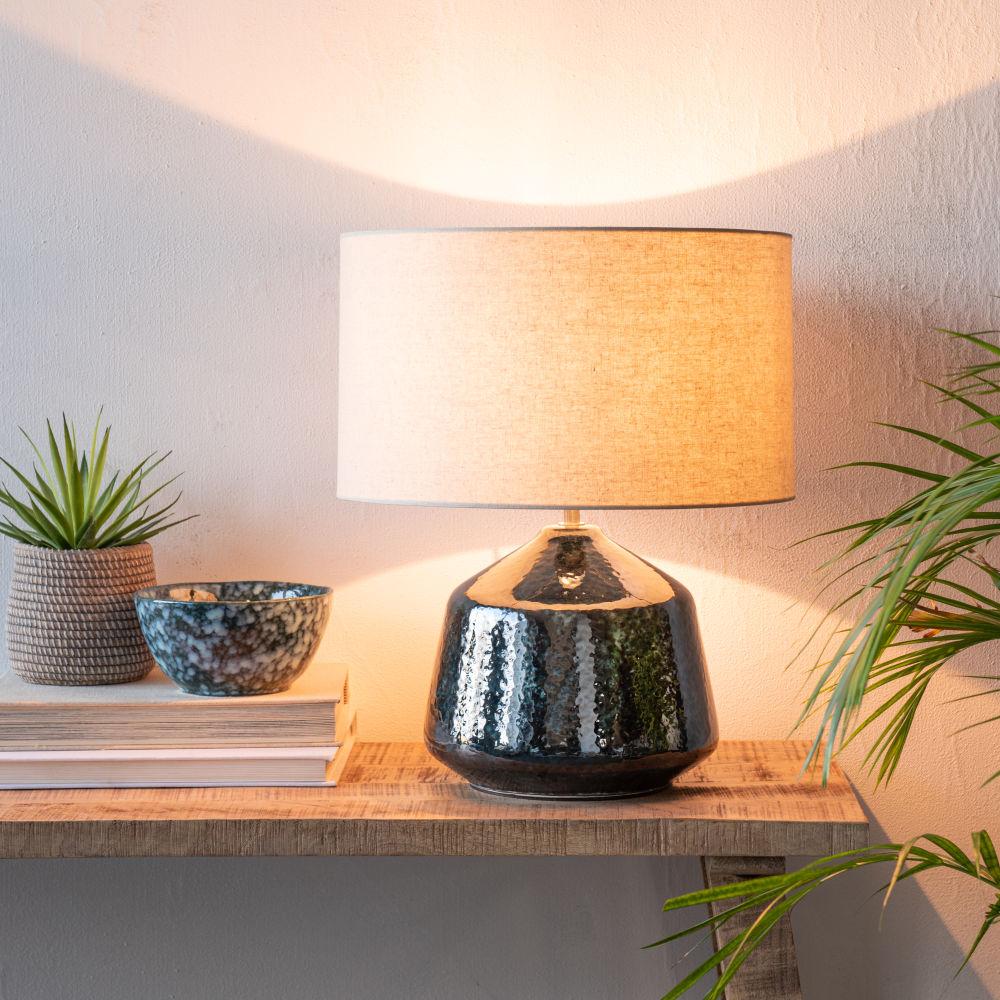 Lampe en céramique bleu et abat-jour en coton écru
