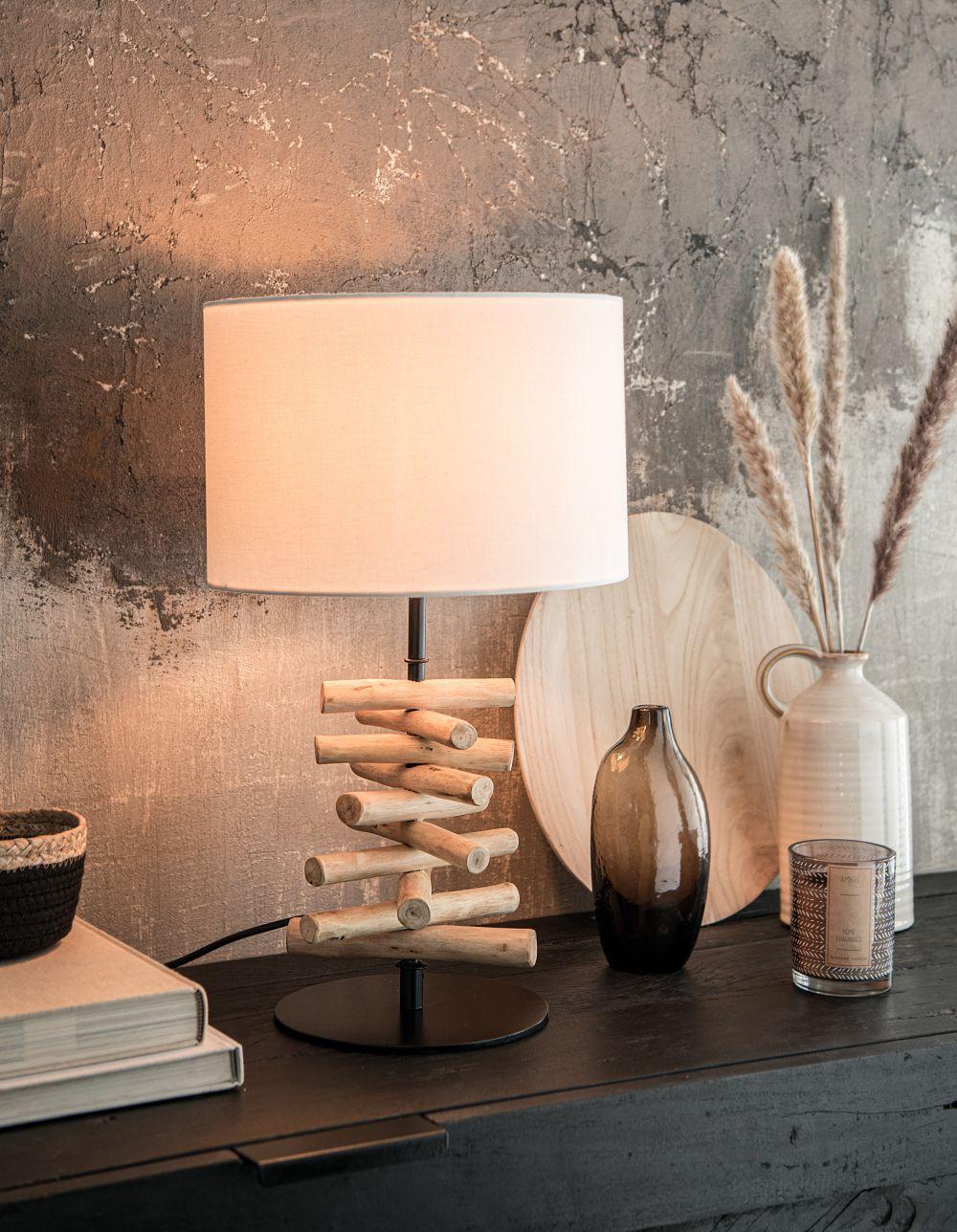 Lampe en eucalyptus et abat-jour en coton blanc