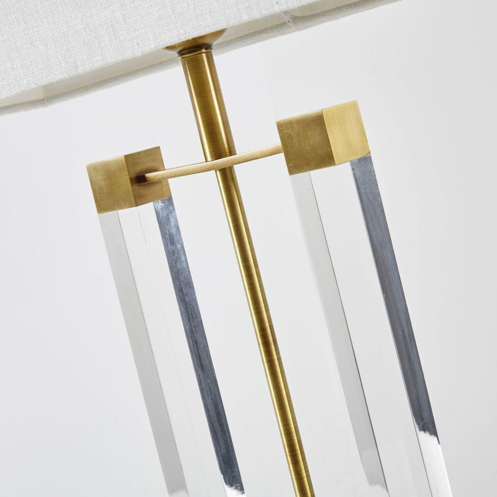Lampe en métal coloris laiton et abat-jour blanc