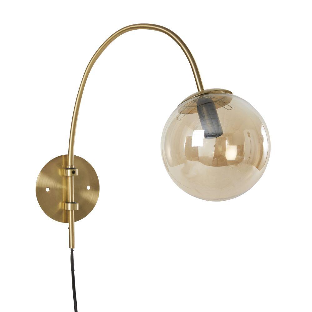 Matte Goudkleurige Metalen Wandlamp Met Bol Van Amberkleurig Glas
