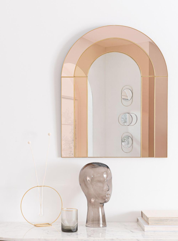Miroir teinté rose et marron en métal doré 53x66
