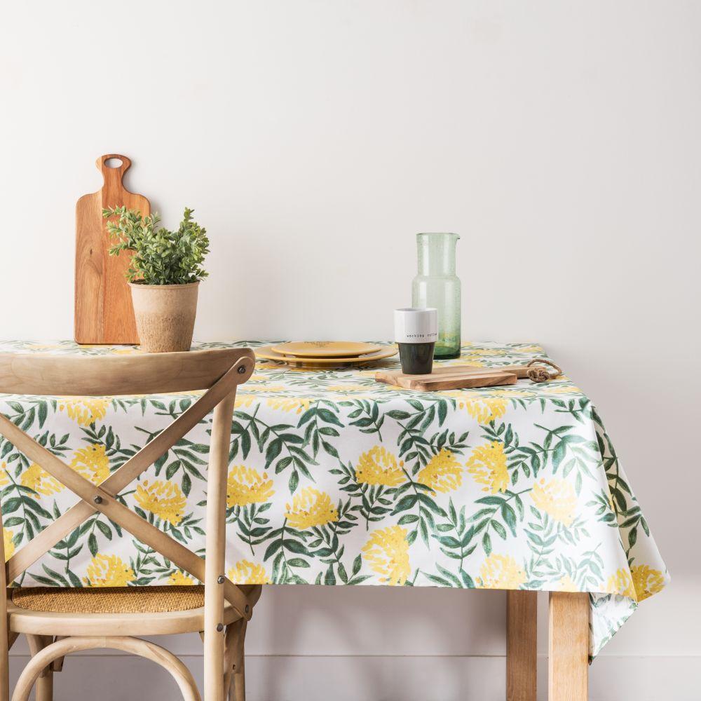 Nappe enduite en coton écru motif floral vert et jaune 140x250