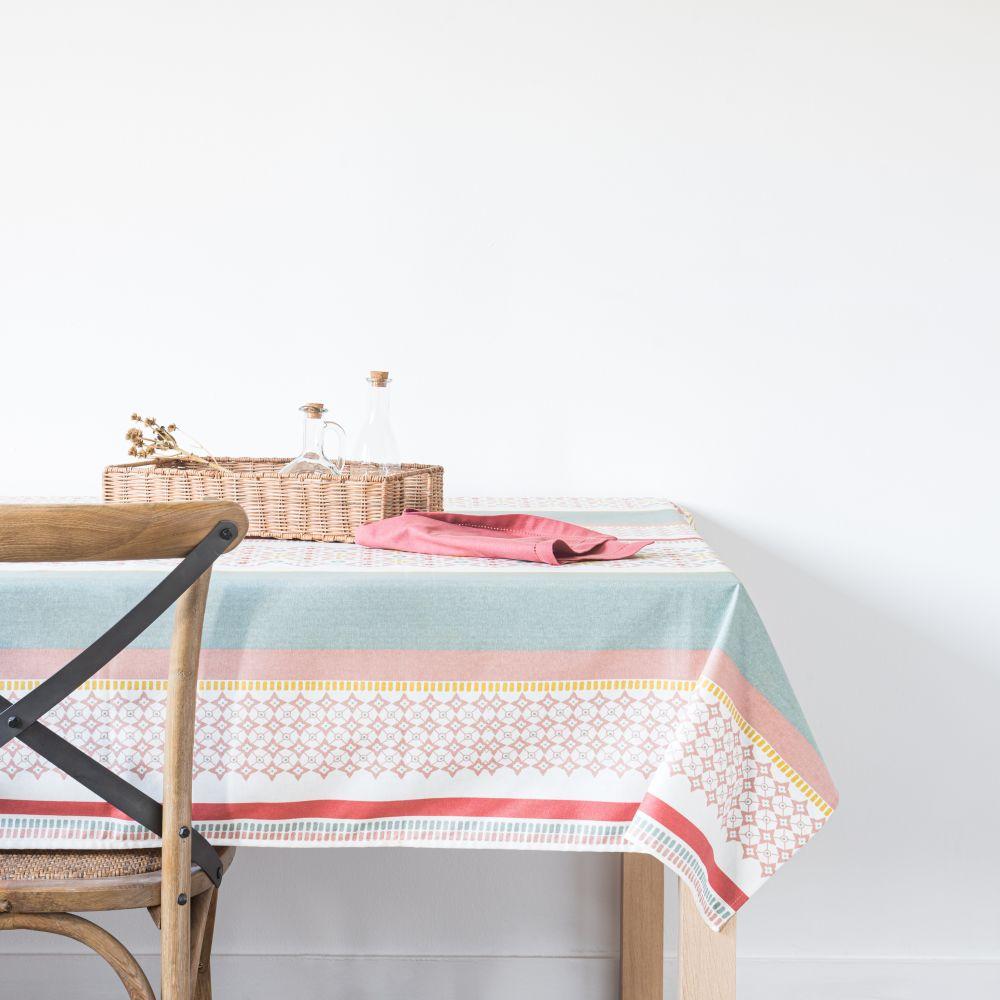 Nappe enduite en coton vert, rose, rouge et blanc à motifs 150x250
