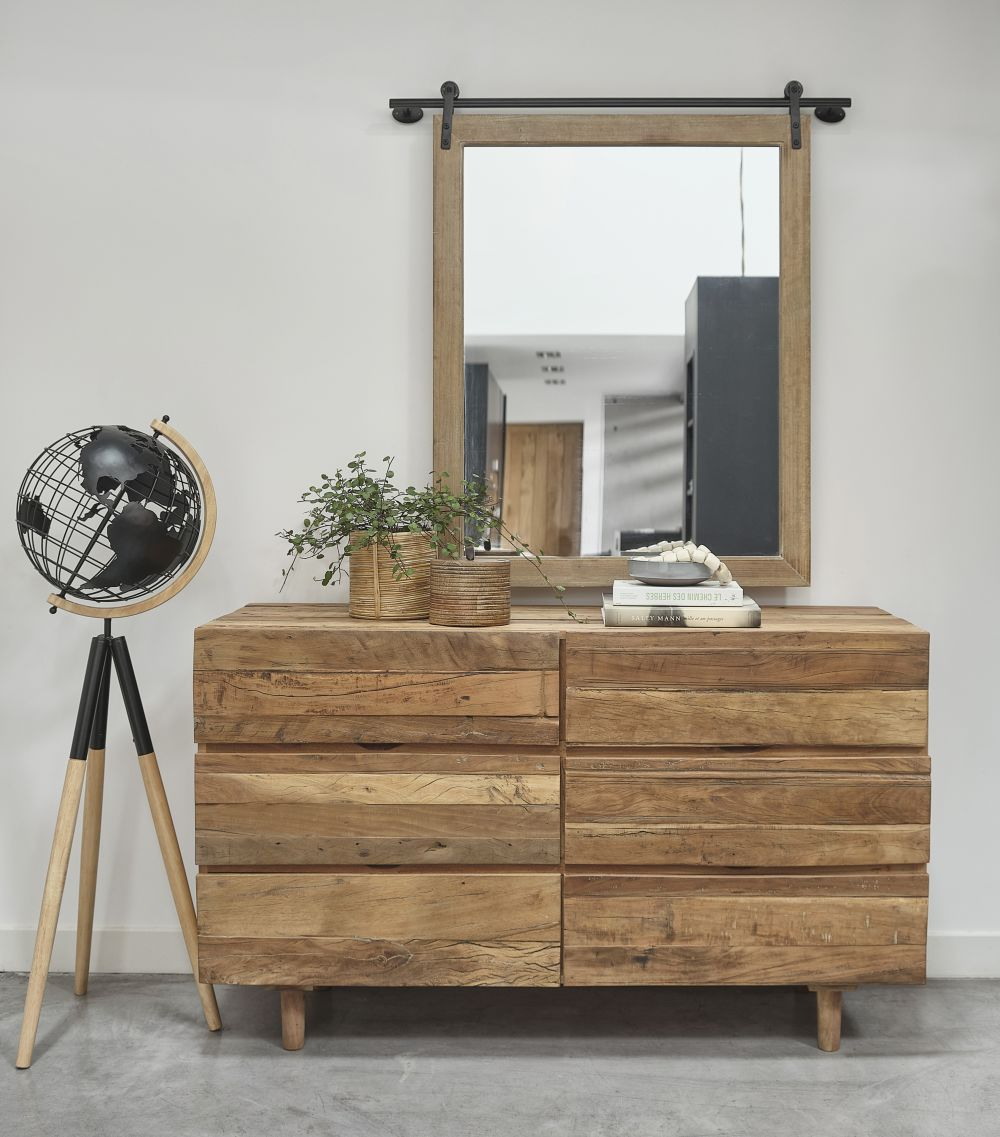 Spiegel Uit Zwart Metaal En Grenenhout 99 X 107 Cm
