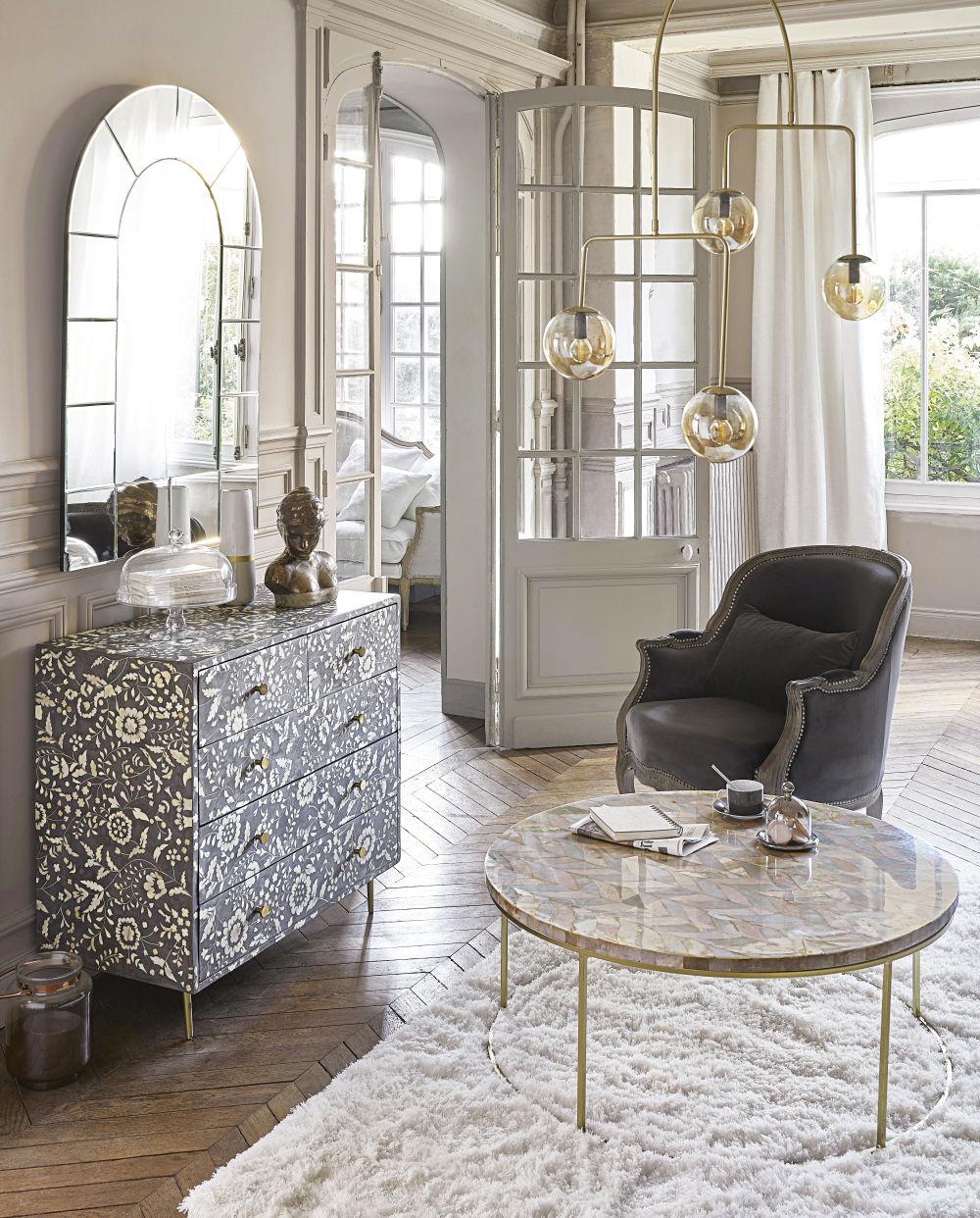 Table basse en pierre motif à chevrons
