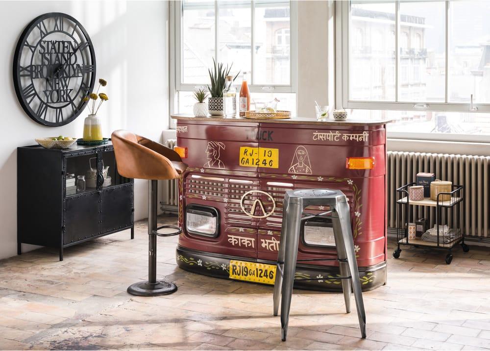 Sedia da bar industriale in pelle color cammello gama maisons du monde