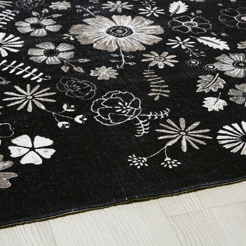 Alfombra De Algodon Blanca Y Negra Con Motivos Florales 140x200