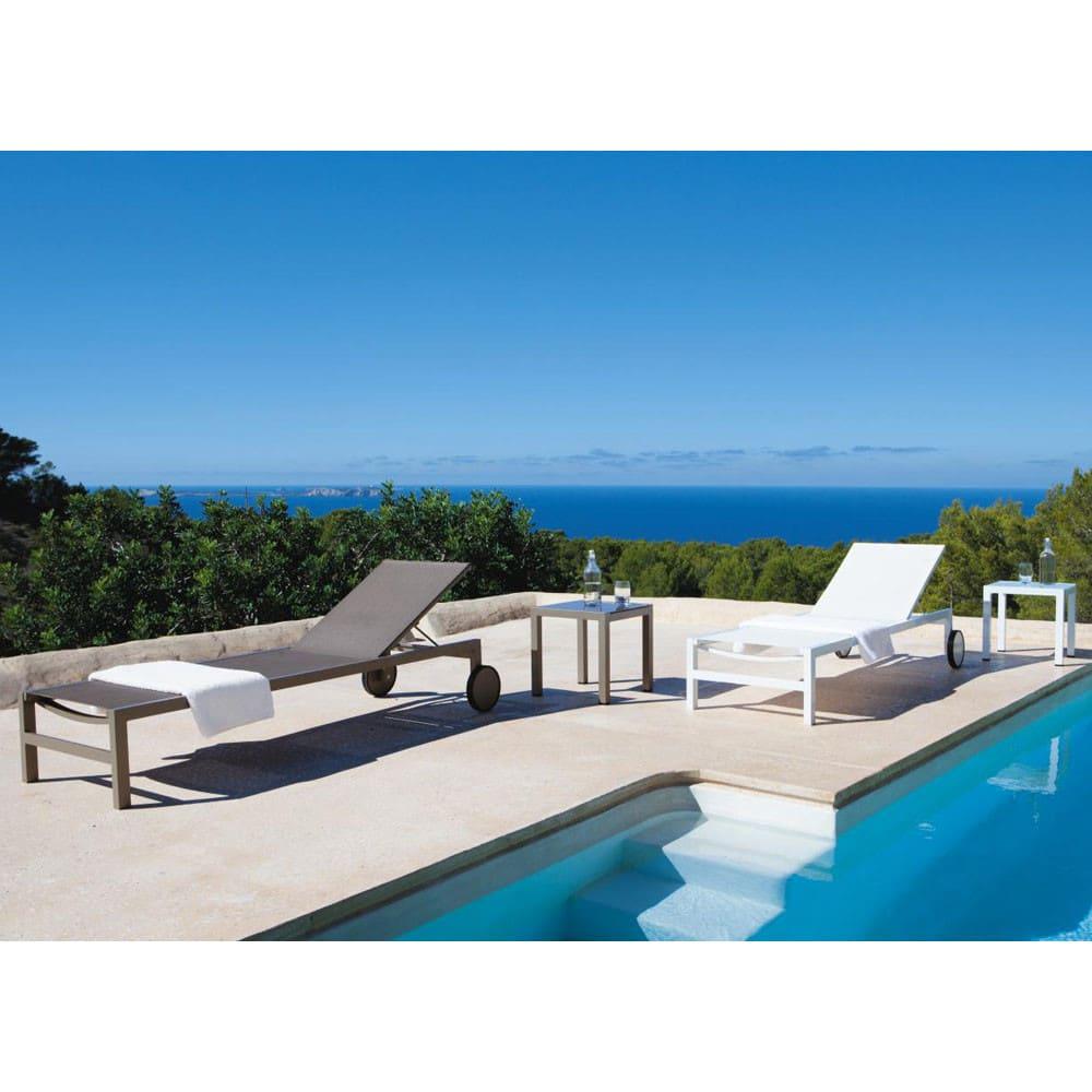 bain de soleil roulettes en aluminium blanc antalya. Black Bedroom Furniture Sets. Home Design Ideas