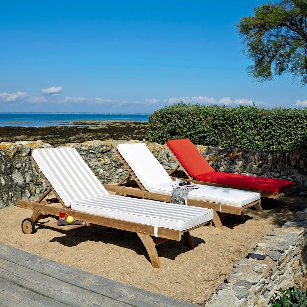 bain de soleil roulettes en teck massif ol ron maisons. Black Bedroom Furniture Sets. Home Design Ideas