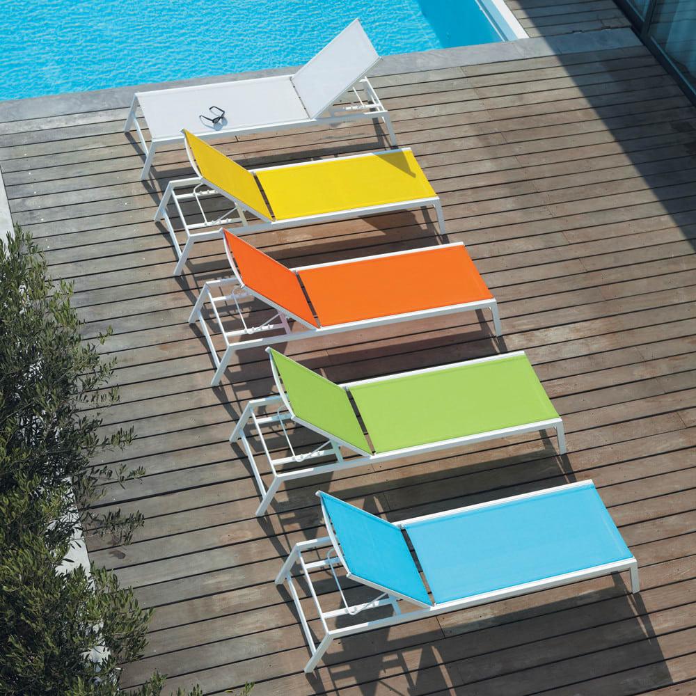 bain de soleil en aluminium blanc hawai maisons du monde. Black Bedroom Furniture Sets. Home Design Ideas