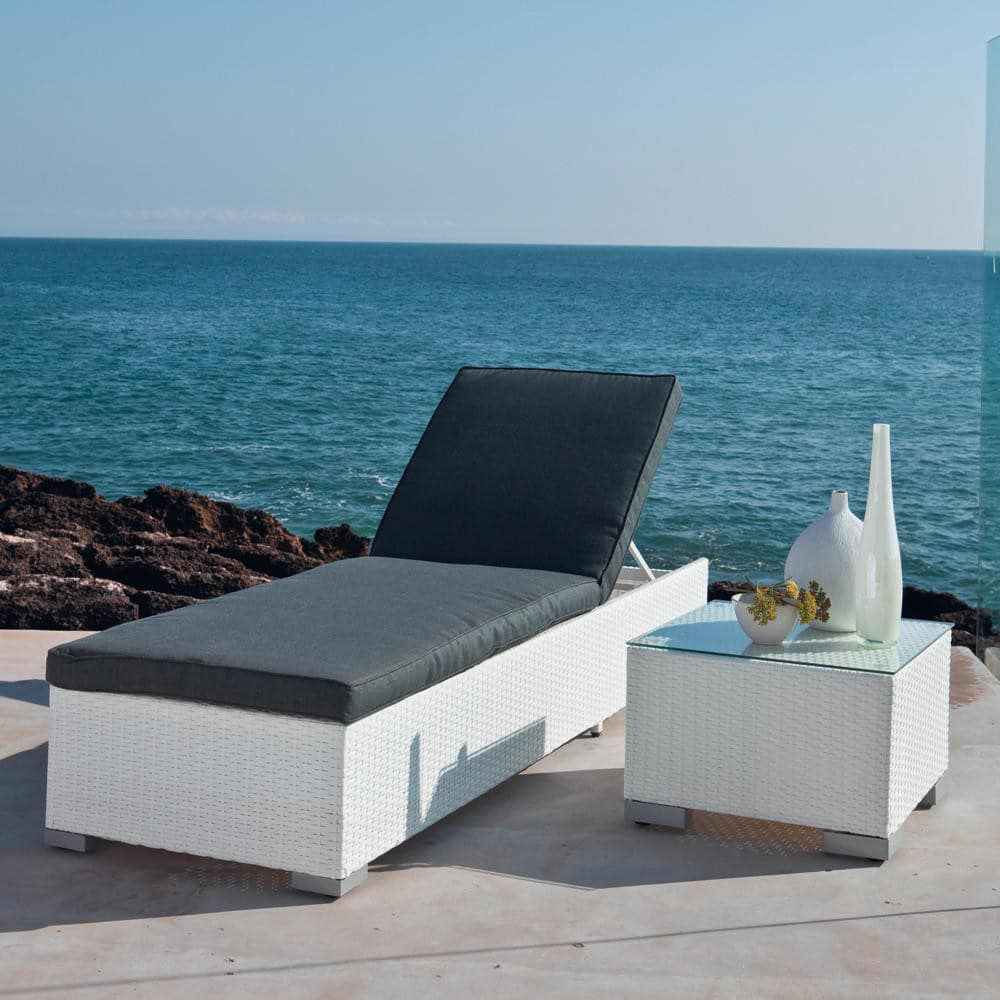 bain de soleil en r sine tress e blanche antibes maisons. Black Bedroom Furniture Sets. Home Design Ideas