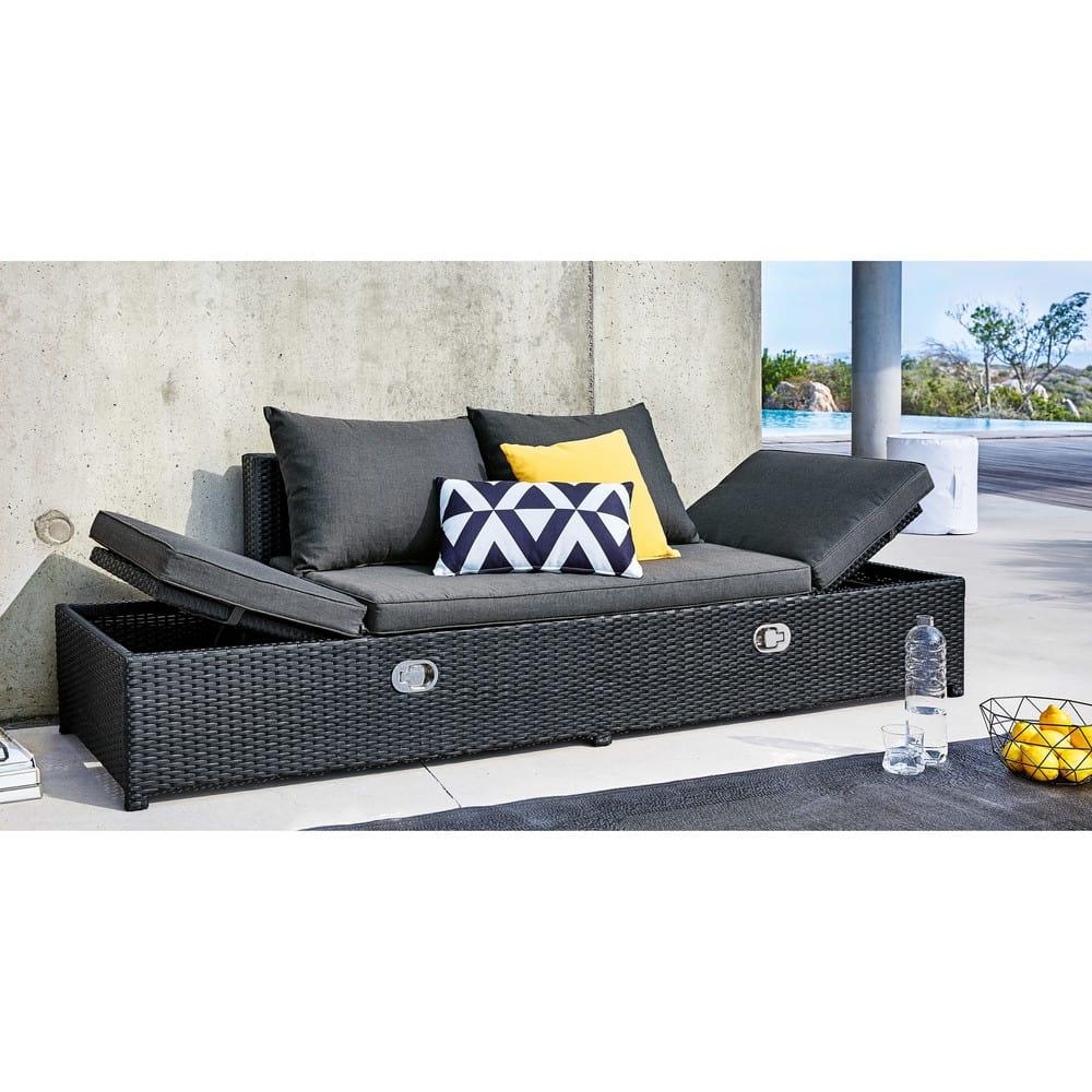 banquette de jardin en r sine tress e noire et coussins. Black Bedroom Furniture Sets. Home Design Ideas