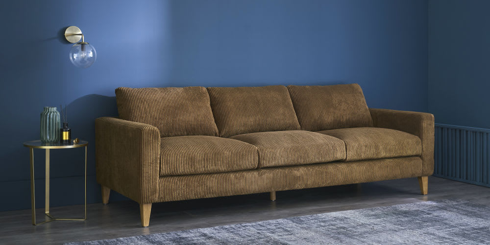 bout de canap en verre et m tal dor olivia maisons du monde. Black Bedroom Furniture Sets. Home Design Ideas