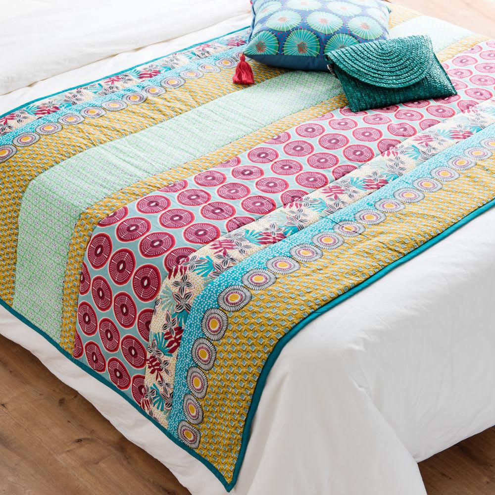 Boutis en coton motifs graphiques color s 100x200 santarem maisons du monde - Boutis maison du monde ...