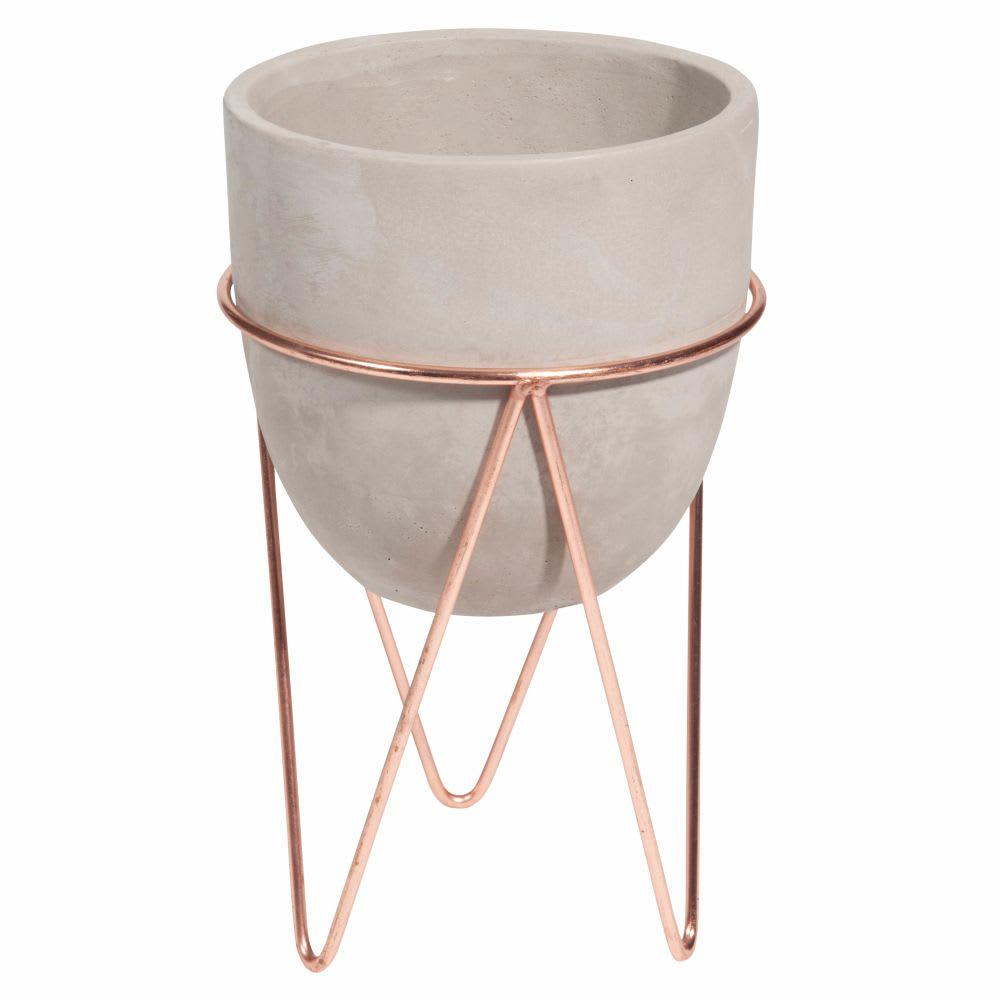 cache pot sur pied en ciment et fer forg copper maisons. Black Bedroom Furniture Sets. Home Design Ideas