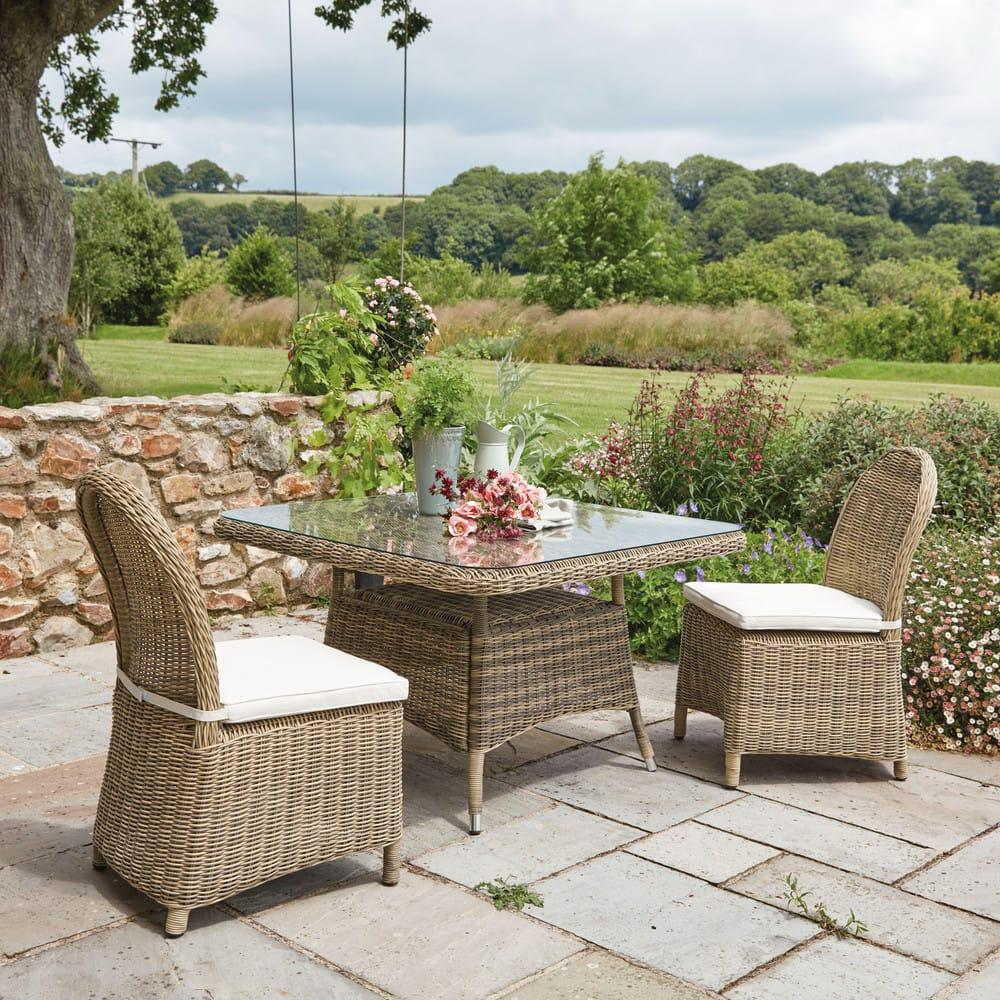 chaise de jardin en r sine tress e et coussin cru st rapha l maisons du monde. Black Bedroom Furniture Sets. Home Design Ideas