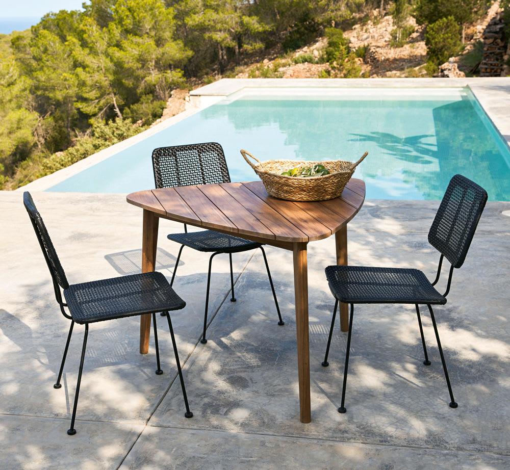 chaise en m tal et r sine effet rotin noirs penida. Black Bedroom Furniture Sets. Home Design Ideas