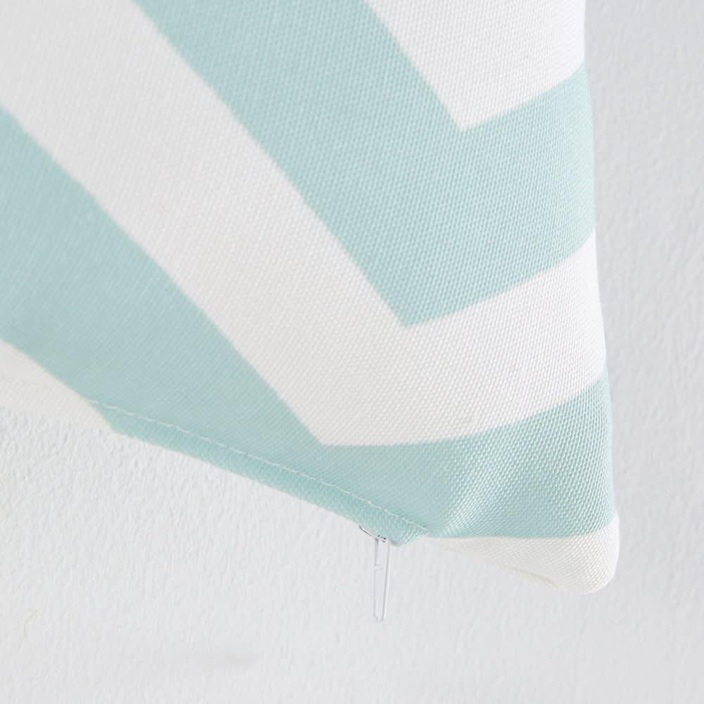 coussin d 39 ext rieur motifs graphiques 30x50 malaga maisons du monde. Black Bedroom Furniture Sets. Home Design Ideas