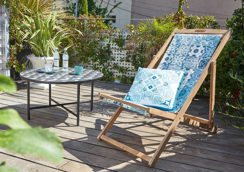 Cuscino da esterno bianco con motivi a piastrelle blu cm