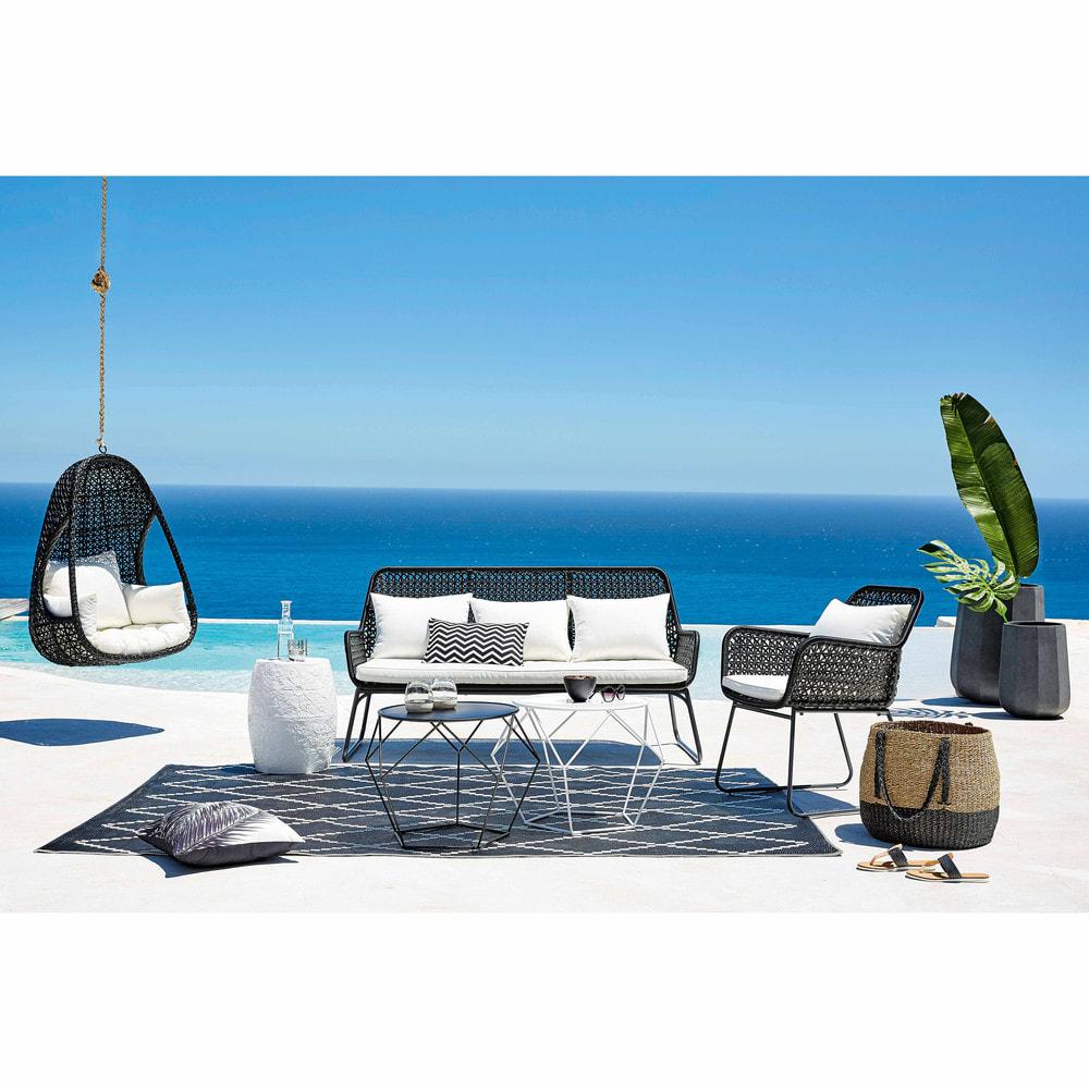 fauteuil suspendu de jardin en r sine tress e noire et coussins blancs cuzco maisons du monde. Black Bedroom Furniture Sets. Home Design Ideas