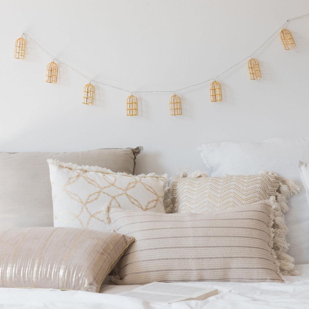 guirlande lumineuse cages en m tal dor maisons du monde. Black Bedroom Furniture Sets. Home Design Ideas