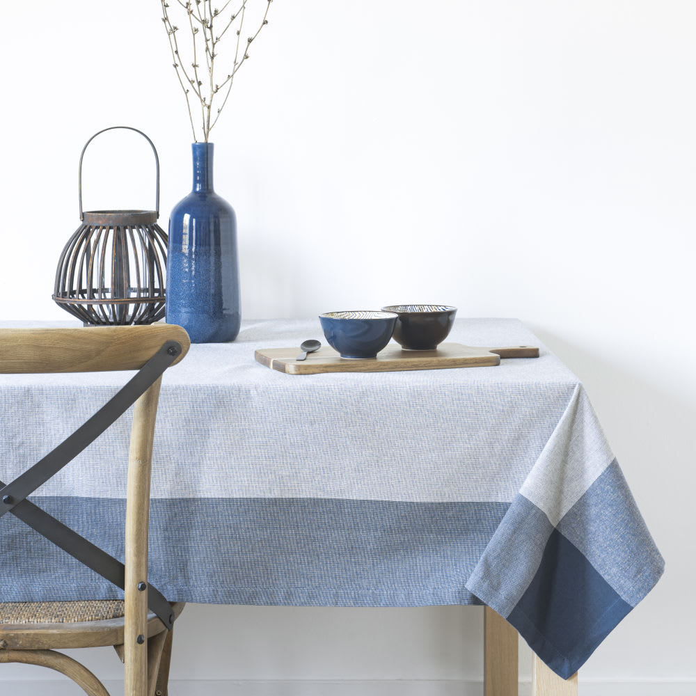 La Maison Du Monde Bilbao blue and white organic cotton tablecloth 150x150