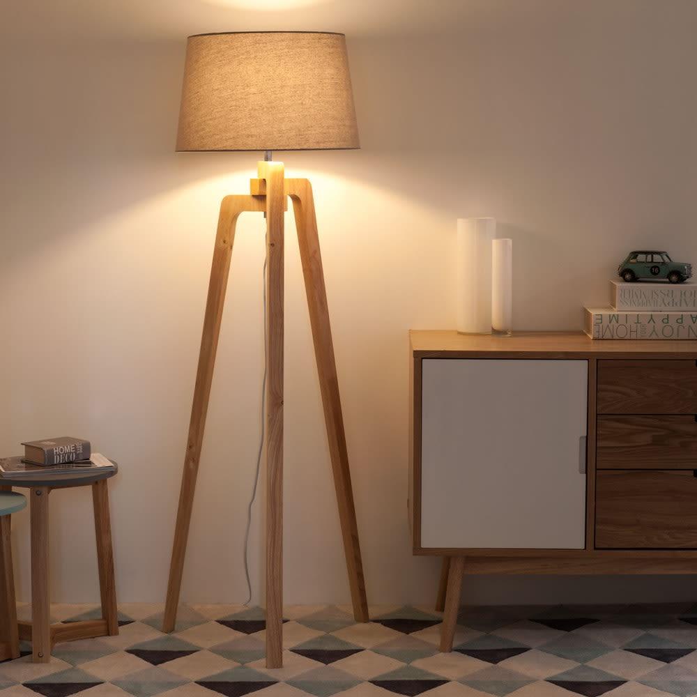 lampadaire tr pied en fr ne et abat jour beige chin h150. Black Bedroom Furniture Sets. Home Design Ideas