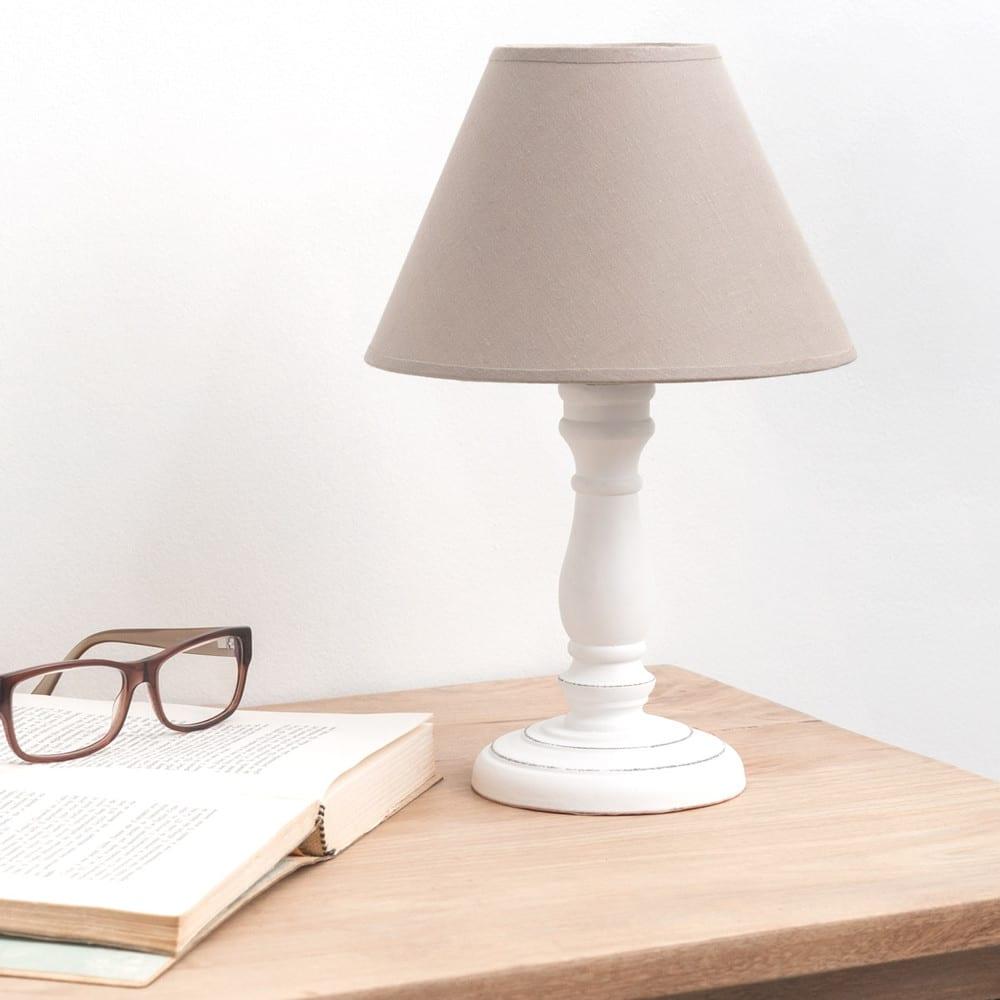 lampe blanche et abat jour beige miniature maisons du monde. Black Bedroom Furniture Sets. Home Design Ideas