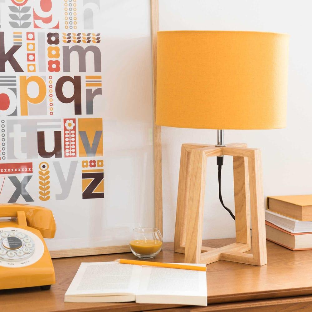 lampe en h v a avec abat jour jaune moutarde hedmark maisons du monde. Black Bedroom Furniture Sets. Home Design Ideas