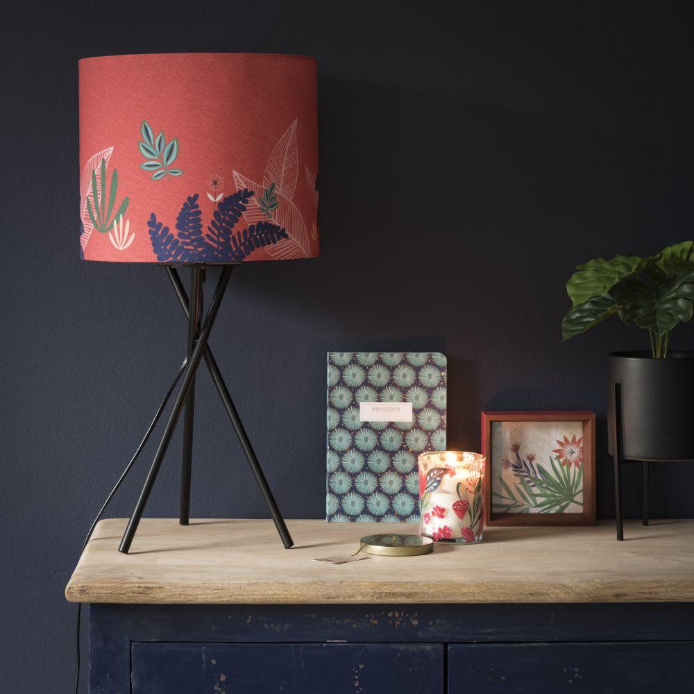 lampe en m tal et abat jour rouge imprim tigre maisons. Black Bedroom Furniture Sets. Home Design Ideas