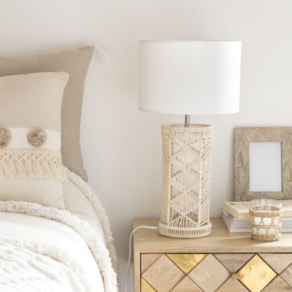 lampe en rotin et abat jour beige maisons du monde. Black Bedroom Furniture Sets. Home Design Ideas