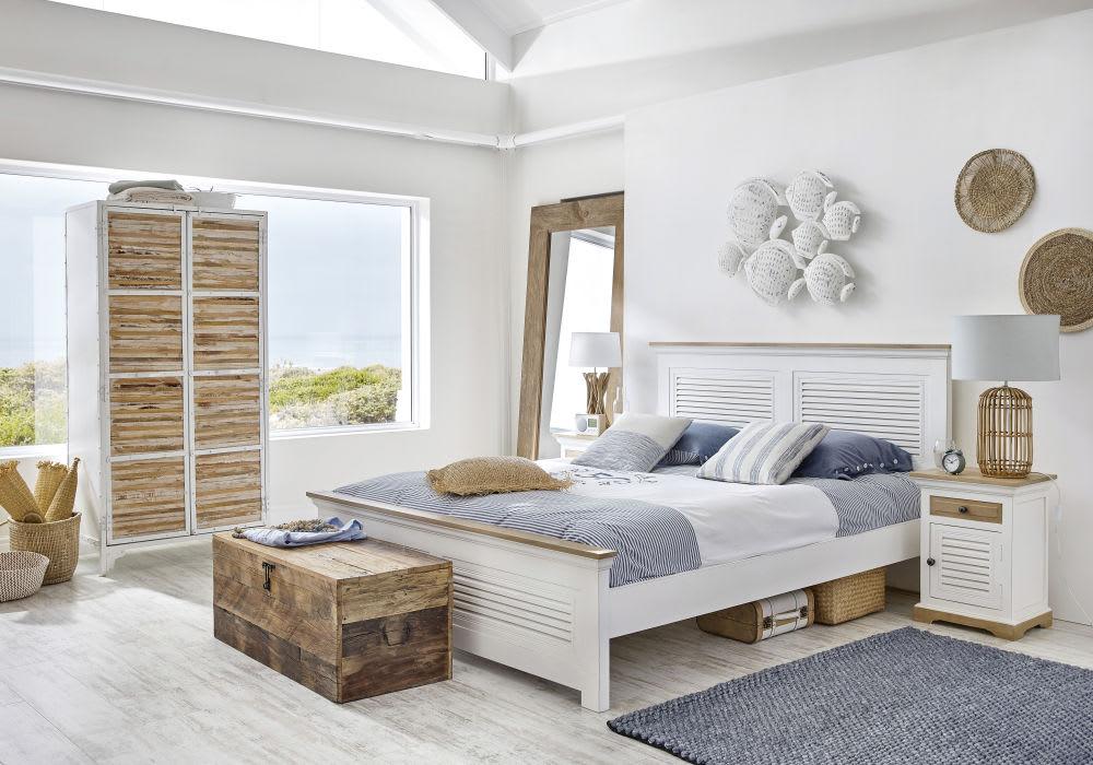 lampe en rotin et abat jour vert de gris mithi maisons. Black Bedroom Furniture Sets. Home Design Ideas