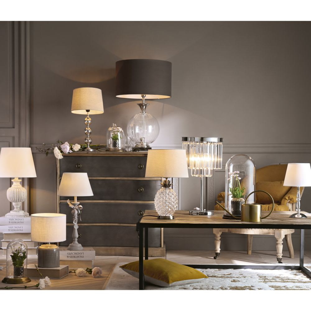 lampe en verre avec abat jour beige antic silver maisons du monde. Black Bedroom Furniture Sets. Home Design Ideas