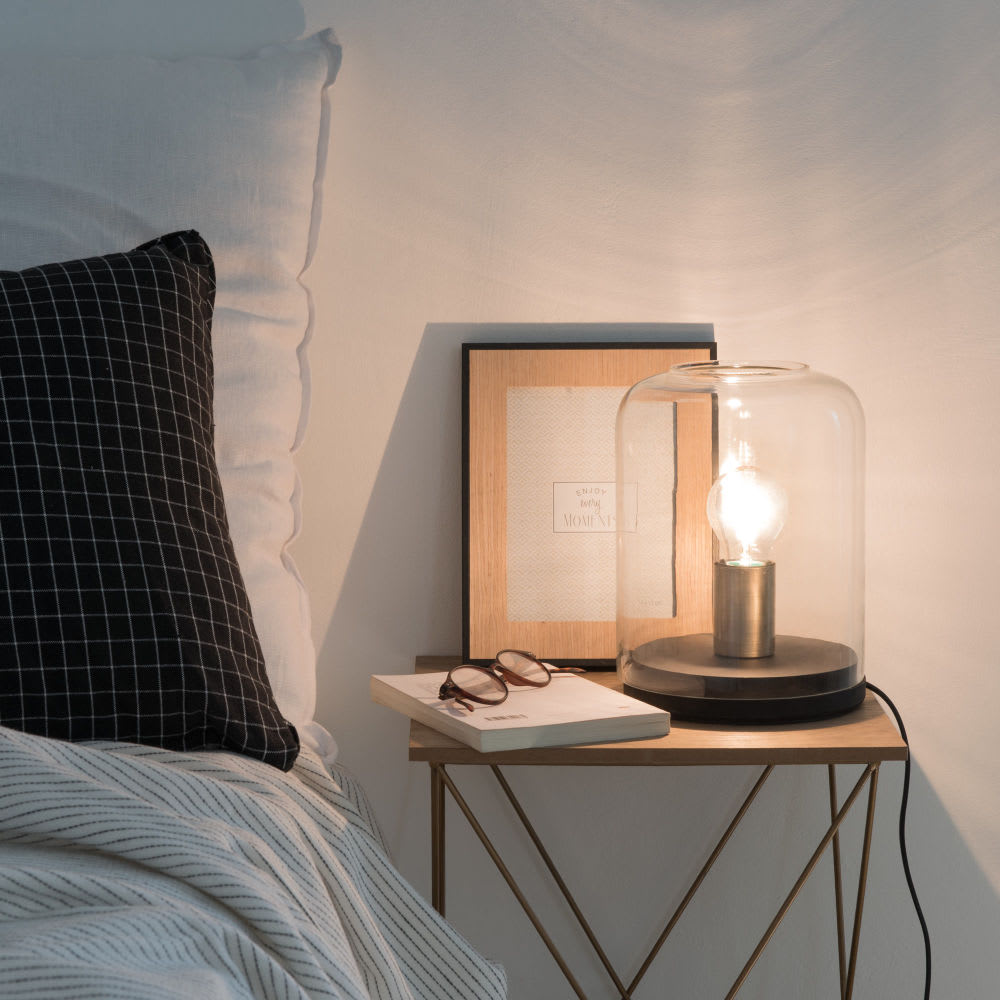 lampe globe en verre stan maisons du monde. Black Bedroom Furniture Sets. Home Design Ideas