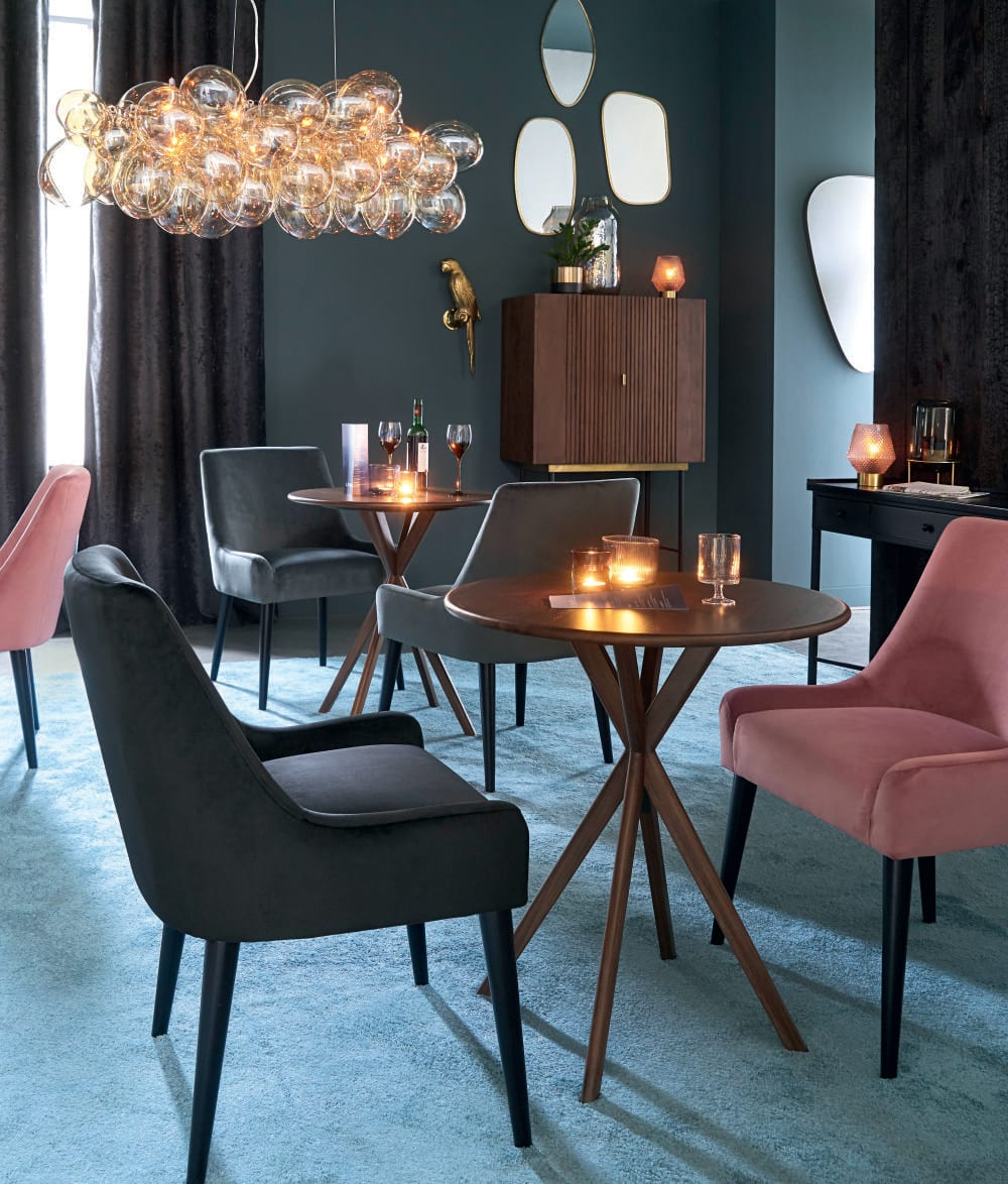 lustre en m tal et globes en verre ambr cloud maisons. Black Bedroom Furniture Sets. Home Design Ideas
