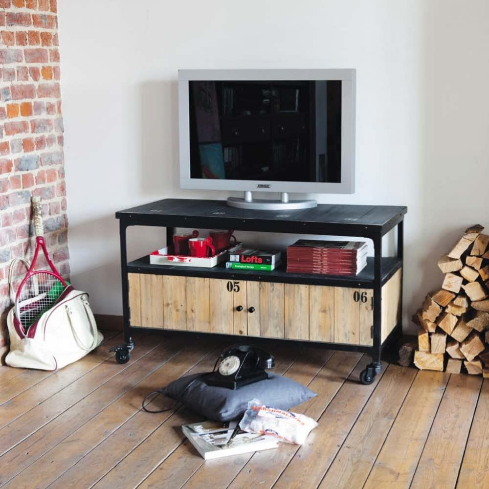 meuble tv indus roulettes en m tal et sapin noir docks. Black Bedroom Furniture Sets. Home Design Ideas